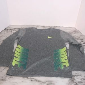 Nike dry fit 4t grey long sleeve shirt